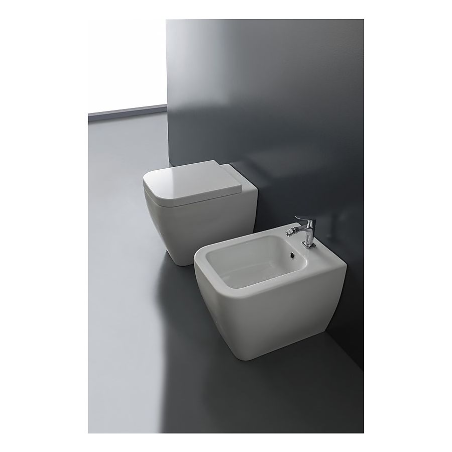 Scarabeo Next Gulvstående toalett 545x355 mm Hvit