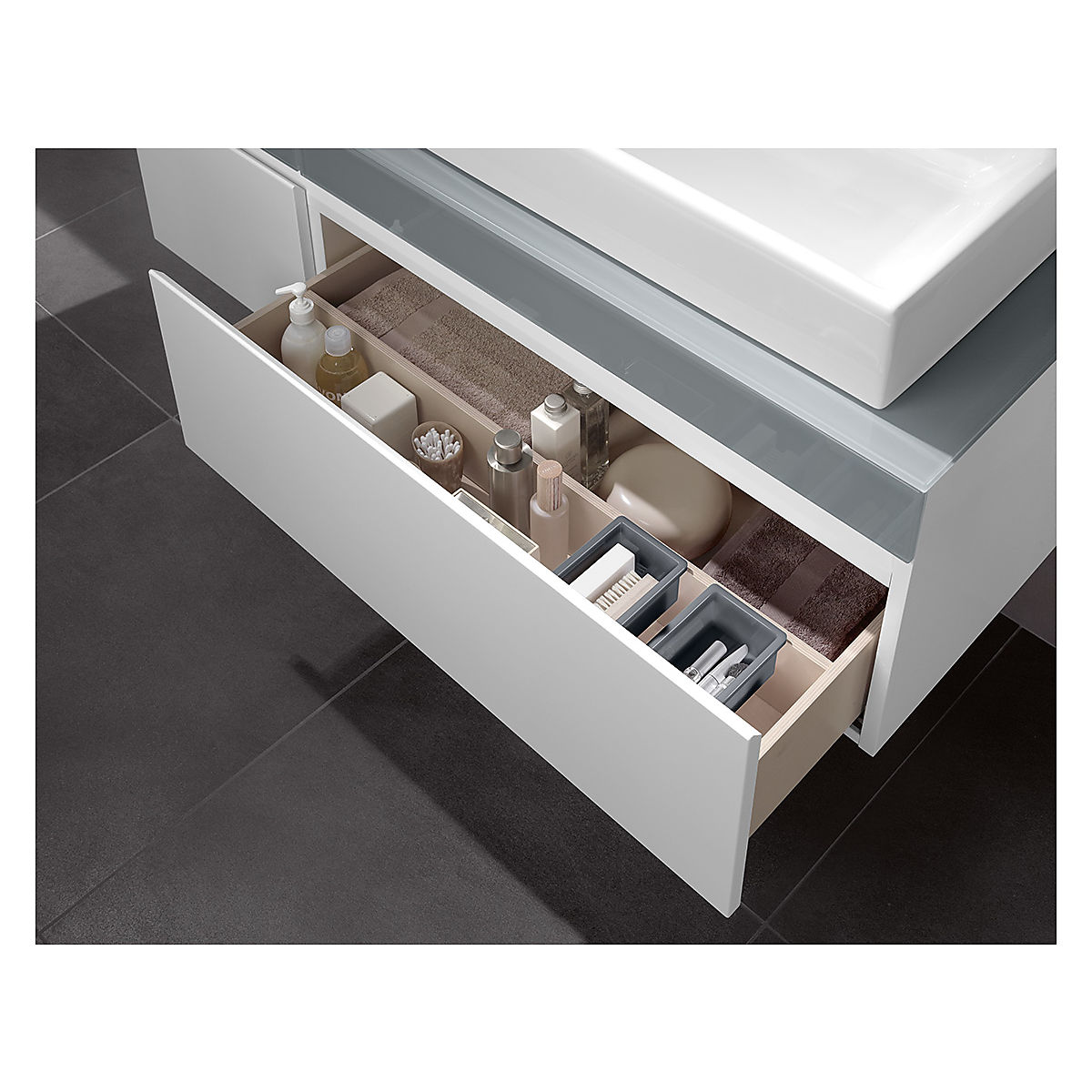v b memento servantskap m 2 skuffer 1306x425 mm h yre bright oak. Black Bedroom Furniture Sets. Home Design Ideas